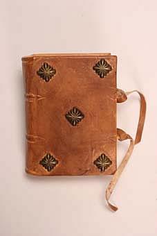 Encuadernaci n medieval agendas y cuadernos - Como hacer un libro antiguo ...