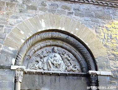 Portada románica de la primitiva construcción románica