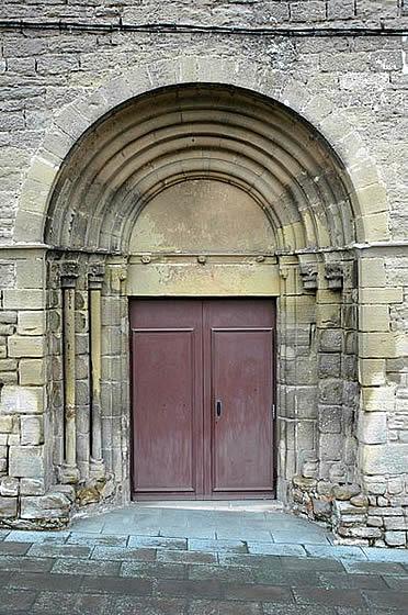 Portada del antiguo monasterio de Santa Clara