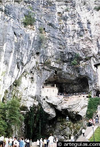 Cueva donde se resguardaron los seguidores de Pelayo