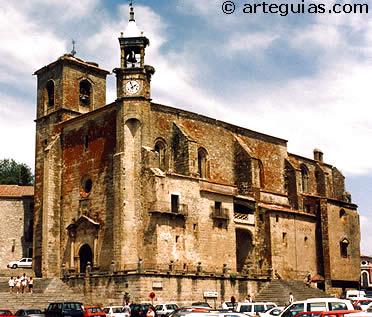 Iglesia de San Martín de Tours de Trujillo, vista desde la Plaza Mayor