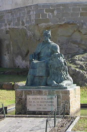 Estatua del rey  Sancho IV, conquistador de Tarifa