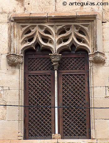 Ventanal gótico de la Casa Miralles, Catí