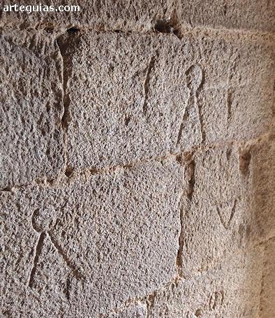 Marcas de cantero en la torre del homenaje
