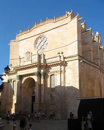 Fachada de la Catedral de Santa María de Ciutadella