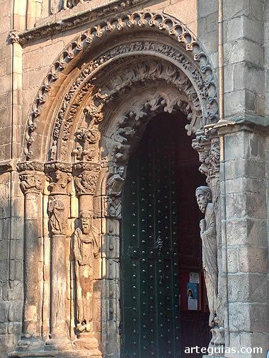 Espectacular puerta tardorrománica vinculada a la Escuela de Mateo
