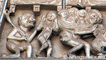 Condenados en manos de los demonios. Puerta del Juicio Final de la Catedral de Toledo