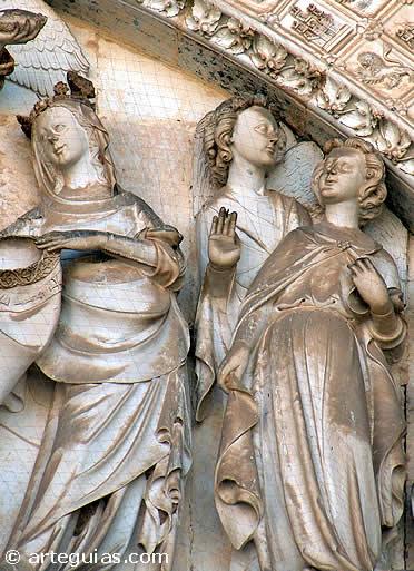 Esculturasd del tímpano de la Puerta del Perdón de la Catedral de Toledo