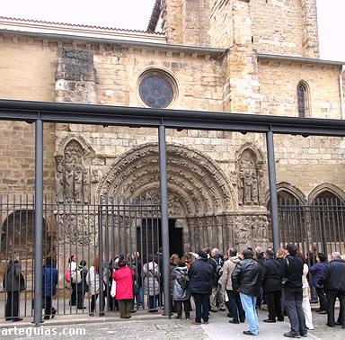 En la Portada septentrional de San Miguel de Estella