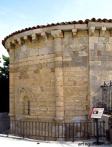 Ábside románico de la Ermita de Cárdaba