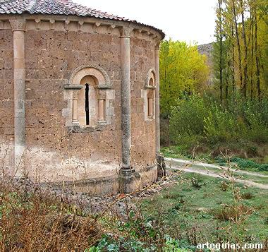 Ábside de San Vicente en su contexto paisajístico