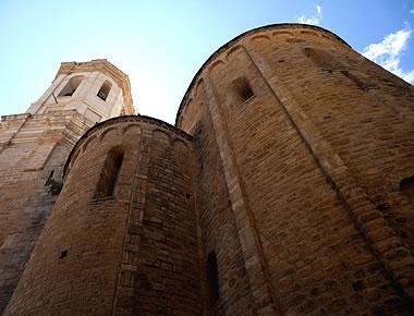 Cabecera de la catedral románica de Roda de Isábena, Huesca