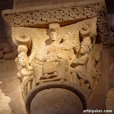 Capitel con la Adoración de los Reyes Magos