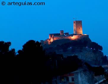 Vista nocturna del Castillo de Biar. Alicante