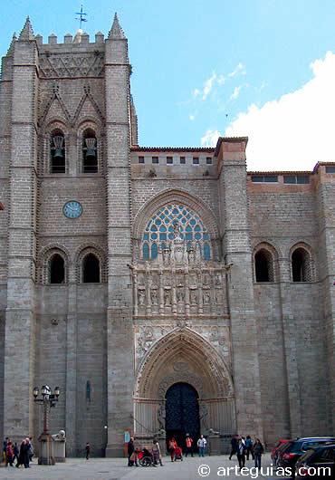 Exterior de la catedral de Ávila
