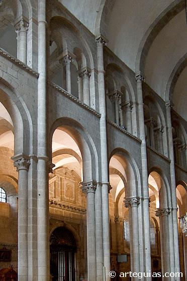 external image catedralsantiago.jpg