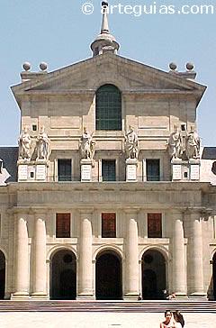 Fachada de la iglesia del Monasterio del Escorial