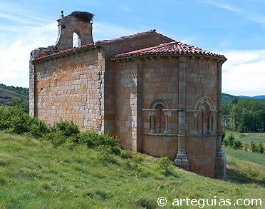 Barrio de Santa María. Típica iglesia románica de la Montaña Palentina