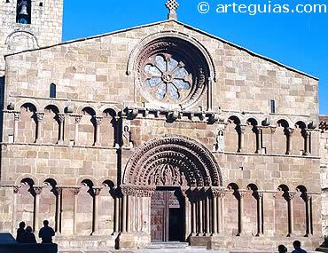 Fachada de Santo Domingo de Soria