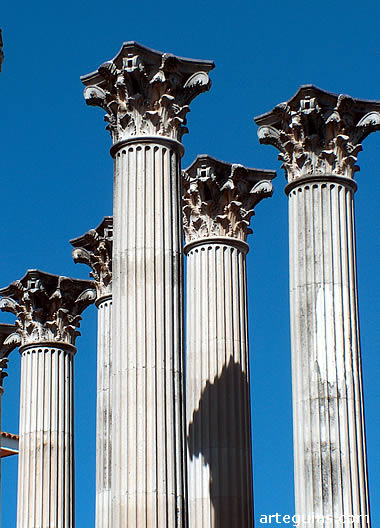 Detalle del templo romano de Córdoba