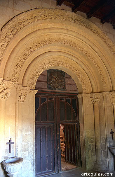 Magnífica portada de Torreiglesias, junto a Turégano
