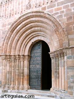 Real Monasterio de Santa María de Veruela. Puerta occidental del templo monacal