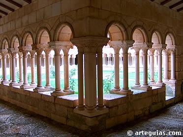 Claustro del monasterio de Villamayor de los Montes