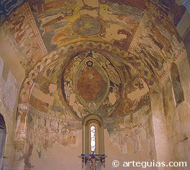 Rom nico ciudad de segovia arteguias for Interior iglesia romanica