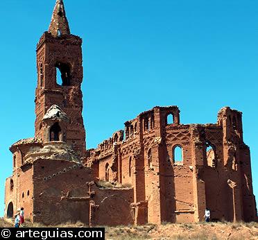 Mudéjar en Belchite: ruinas de la iglesia de San Martín de Tours