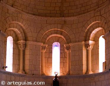 Interior del ábside de la iglesia de Caballar, en la comarca de Turégano