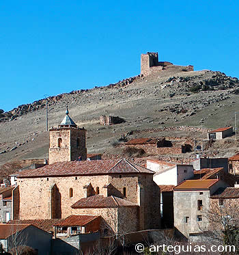 Iglesia y castillo de Santed