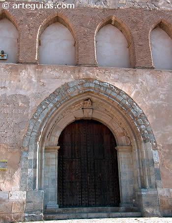 Fachada occidental. Iglesia de Santas Justa y Rufina de Maluenda