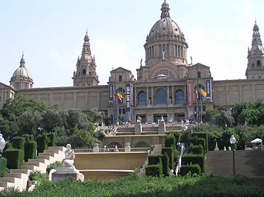 El MNAC (Museo Nacional de Arte de Cataluña) se ubica en el Palau Nacional