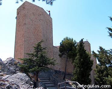 Una de las torres del castillo de Santa Catalina de Jaén
