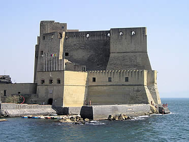 Náploes, Castel dell'Ovo