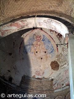 Bóveda de horno del ábside con los frescos románicos