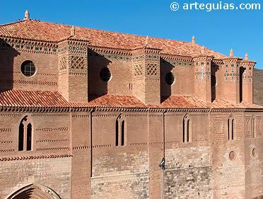 Iglesia fortaleza de Montalbán, construida por la Guerra de los Dos Pedros entre Castilla y Aragón