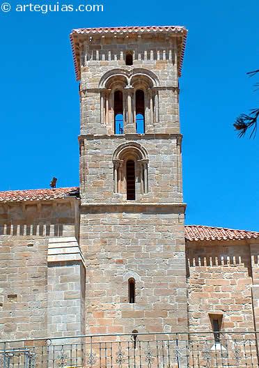 Típica torre románica