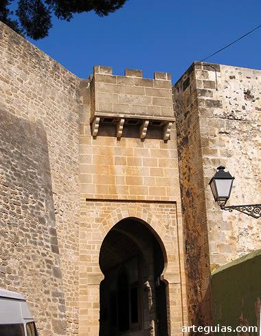Entrada al recinto del castillo de Denia, Alicante
