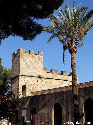 Zona baja del castillo de Denia