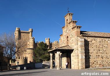 El Castillo de Guadamur y, en primer plano, la ermita  de La Natividad
