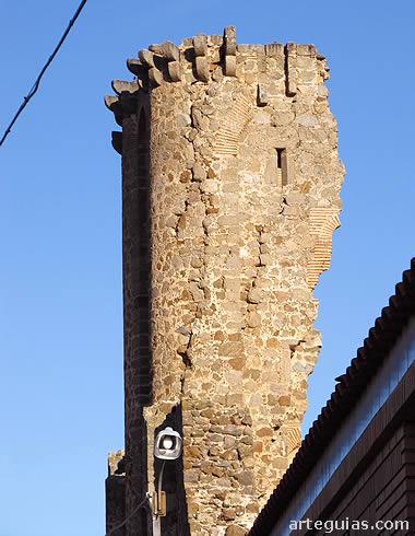 Extremo superior de una de las torres supervivientes