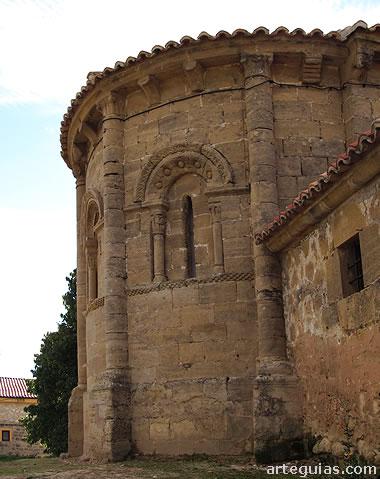 Ábside de la iglesia de Castilseco desde el norte