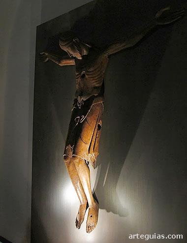 Imaginería: Cristo románico en el Museo de Jaca