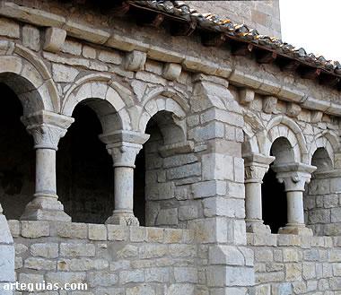Galería románica de la iglesia de Eusa