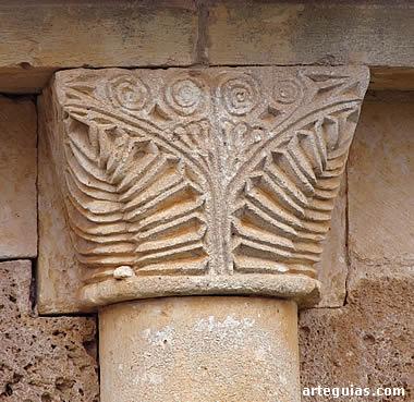 Capitel del ábside