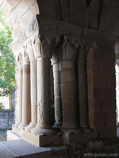 Compleja estructura columnaria de la galería