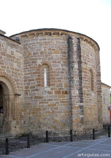 Ábside la iglesia de Gazólaz