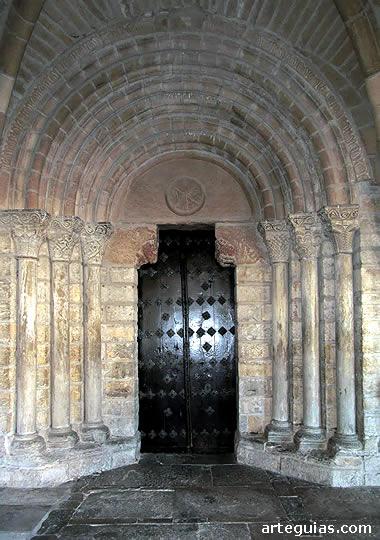 Puerta de la iglesia de Gazólaz