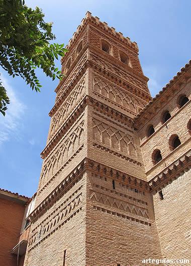 Torre mudéjar de la iglesia de Herrera de los Navarros
